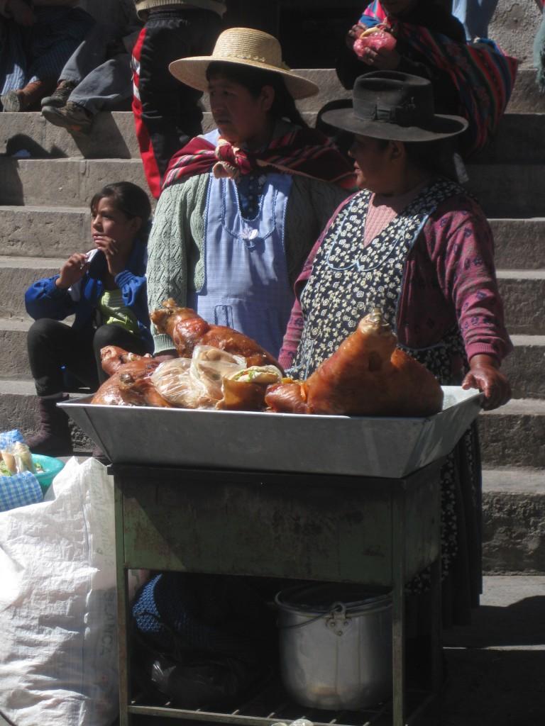 Hier gibt´s leckeres Straßenstand-Essen. Potosí, Bolivien